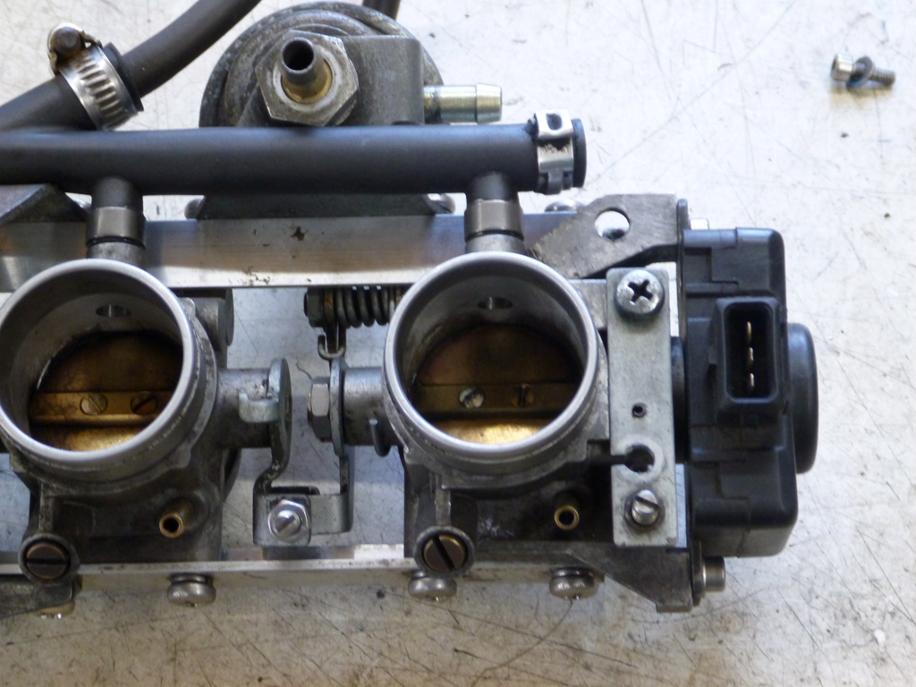 K1100 throttle bodies on a K100 - Page 2 Tb5